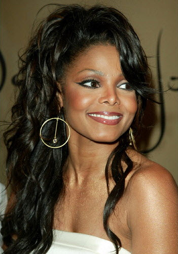 Janet-Jackson-half-up-half-down-long-curly-hairstyle
