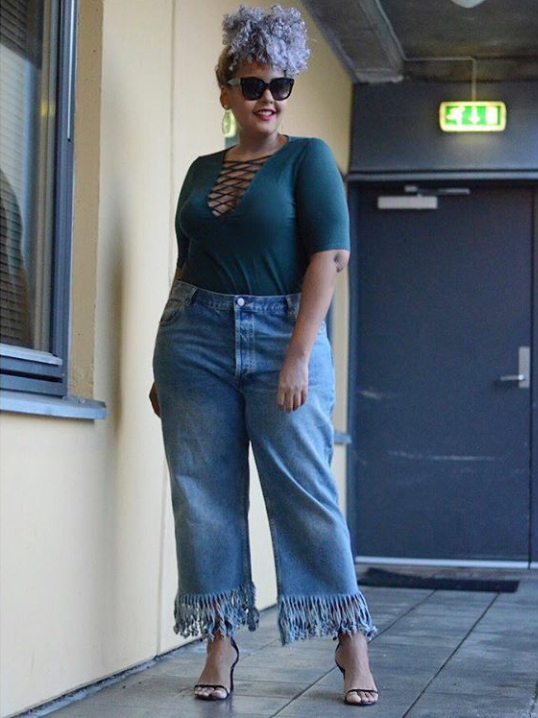 calça jeans com barra de franja11